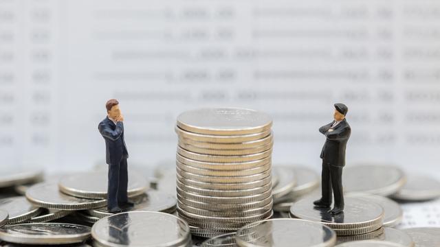 貯金50万円は少ない?低収入でもお金を貯める方法を解説!