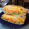 【レシピ】チーズとろーり♡焼き鮭とたまごのホットサンド!