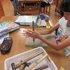 4年生:図工 コリントゲーム かなづちでトントン