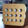 キッチンカウンター上の電気コードを隠す方法