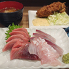 小田保で刺身3点盛りとカキフライ