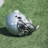 高校フットボール選手らを告発 ほうきの柄でチームメイトをレイプした疑い 米メリーランド州