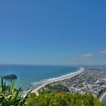 「マウント・マウンガヌイ」~マウアオの丘の頂上からビーチ沿いの景色が見える絶景!!