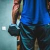 【肩の怪我】サイドレイズやりすぎ注意!筋力差で起きる怪我の原因とは?