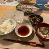 ごはん、イナダと真鯵、納豆と野菜の炒め和え、ナスと揚げの味噌汁