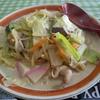長湯温泉街おがた食堂にて【ミルキー】ちゃんぽん650円です。シイタケが多いちゃんぽんをミルクスープで提供する理由を考えてみました。