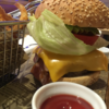 【不思議に最高に美味しくて驚いた】羽田エクセルホテル東急のルームサービスハンバーガーを食べる。