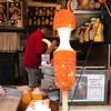 今話題のチーズドッグが町田に上陸!!グルテンフリー 中なのに体張って食べちゃいました!
