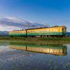 かぼちゃ電車:不二越・上滝線の水鏡(2)