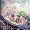 キャンプ飯 ダッチオーブンで猪肉を煮て「ぼたん鍋」を作ってみた。