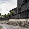 キハ40形の話と黒塀の町並み村上を紹介。