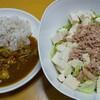 もち麦ごはんのカレーと豆腐サラダ