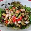 「美味しい、簡単、ヘルシー、キレイ」4拍子揃った鶏ささみとフルーツ野菜の宝石箱サラダ