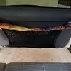 ラゲッジゴムネットを車のハッチバックドアへ設置