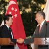 シンガポール外交に蜜月をもたらした安倍政権を、当時の記事で振り返る