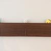 【インテリア】壁に付けられる家具シリーズの三連ハンガーに小物を飾りました