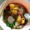 昼麺部 その7 ピンクのスープ イェンタフォー シリピン(シィピン)