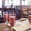 再訪:ワイン飲み放題、セルフで注ぐのはとても楽しい。