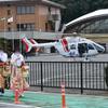 成人式 岐阜県坂祝町はヘリコプターから郷土を眺める