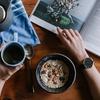 【悪習慣】食事中にスマホを見ると胃腸が弱る!?【ダルさの原因】