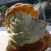 シュークリームの生クリームが入りきらなくて爆発したのが「シューパフェ」 おっされ~な元町ケーキ