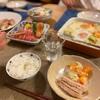 ごはん、豚ロース焼き、野菜のスープグラタン、きゅうりとトマトとカニカマサラダ、刺身