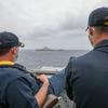(海外反応) 哨戒艦沈没:監視か誇示か、中国空母を見守る米海軍