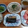 モヤシの甘酢炒めと鯖の塩焼とトマト