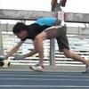 四足走行で推進力を生むのは右足?左足?