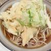 かめや 新宿西口 天玉そば 人気行列店 本当にシメに美味しいか? 正直レビュー