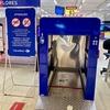 地球(日本)🌎の真裏:カルフールの買物カート🛒の『(コロナ除菌😷)消毒+洗浄機』〜❗️