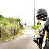 057.坂を下り海岸通を後にする