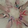 ビーチサンダル - フットネイルが映える足指