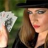 カードゲームは、知らないひととも盛り上がれる笑