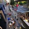 バンコクは大都会やけど、朝の動き出しは早い。