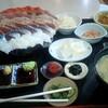 札幌市 デカ盛り系定食屋 みゆきちゃん定食 / 海鮮丼定食の盛りが笑える