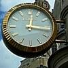 ロレックスサブマリーナノンデイトはシンプルでオンオフ使える高級時計