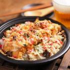 サバみそ煮缶とパックご飯でビールのつまみにもなる「焼きチーズめし」で満腹宣言【筋肉料理人】