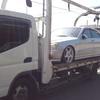 レッカー車で車検の切れたカギの無い不動車を廃車の引き取りしました。