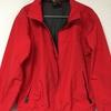 ASPESIの赤いシャカシャカジャケット