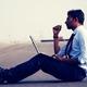 仕事を依頼される2つの理由から考える、長期的キャリア戦略の立て方