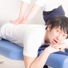 腰痛をなんとかして改善してみようとする。