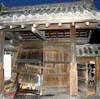 【速報】酔っぱらい運転の車が京都の重要文化財を破損!