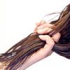 湿気から髪を守る最強の方法