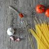 クックパッドで人気のトマトパスタを7年かけて改良した、ズボラな僕でも作れる簡単な料理。