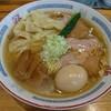 富山市東老田にあるラーメン屋さん、支那そばや翠月で塩ねぎぜんぶのせ。