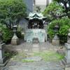 老舗デパートに鎮座する神社