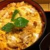手軽に名古屋コーチンの親子丼を食べるなら、栄の丸栄地下にある鶏三和がおすすめ