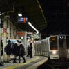 電車区間を行く普通列車
