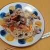 残り野菜と焼きビーフンでお昼ごはん!!